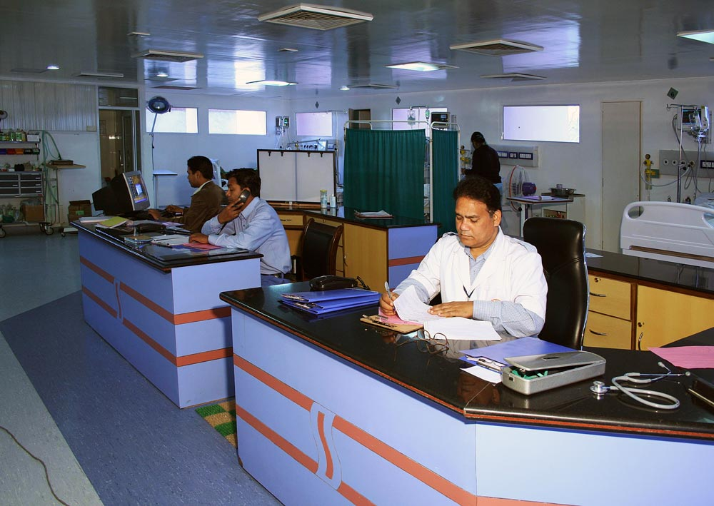 Anand Hospital-ICU services in Meerut