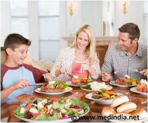 child-food-with-parents.jpg
